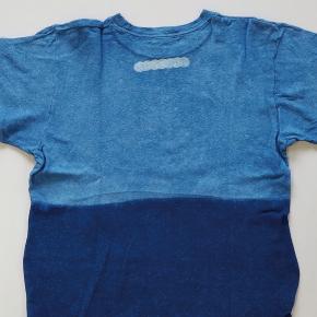 藍染めT シャツ